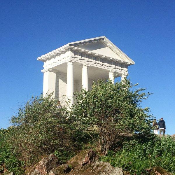 Храм Нептуна восстановили в выборгском парке Монрепо