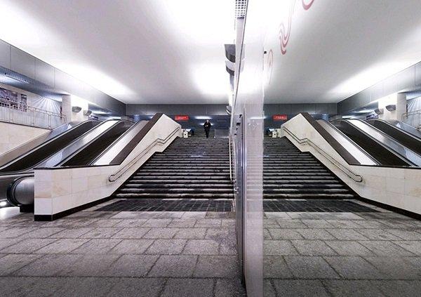 Вестибюль станции «Каховская» закроют на ремонт. Какие альтернативы?