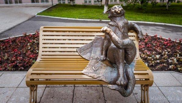 «Йошкин кот»: в Симферополе установили шуточный памятник коту