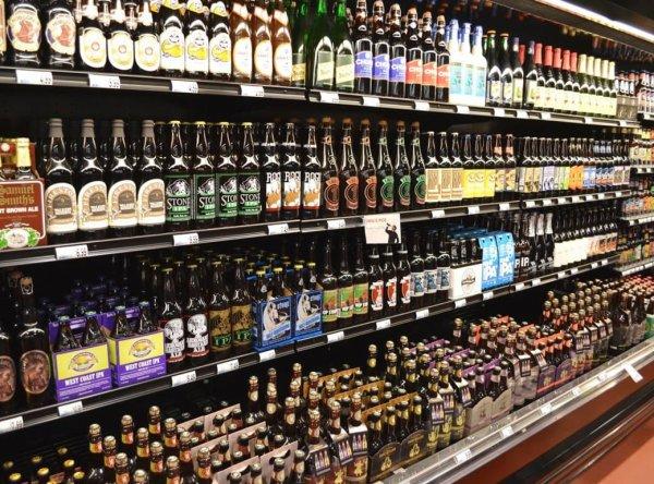 В правительстве рассказали, как различать настоящее пиво и фальсификат