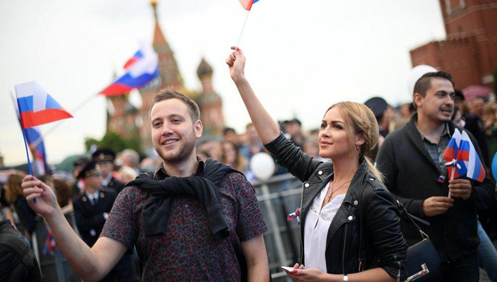 Фестиваль в честь Дня России перенесли в парки по просьбе FIFA
