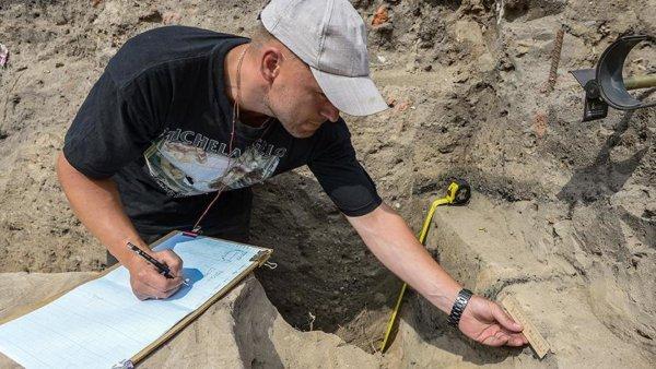 В Новосибирской области археологи раскопали древнюю улицу