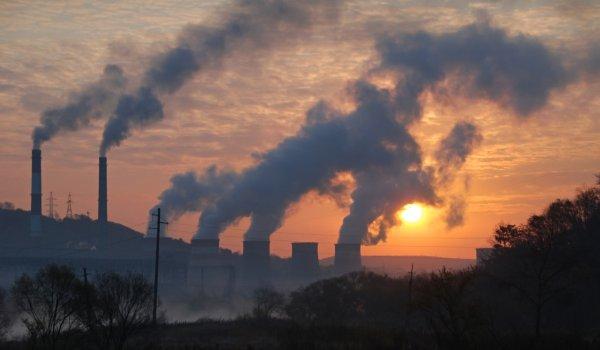 Эксперты назвали наиболее вредные для экологии города мира