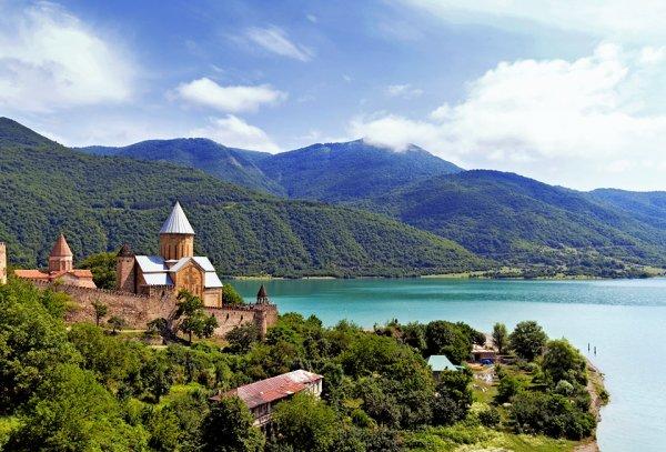 Семь стран для небанального летнего отдыха