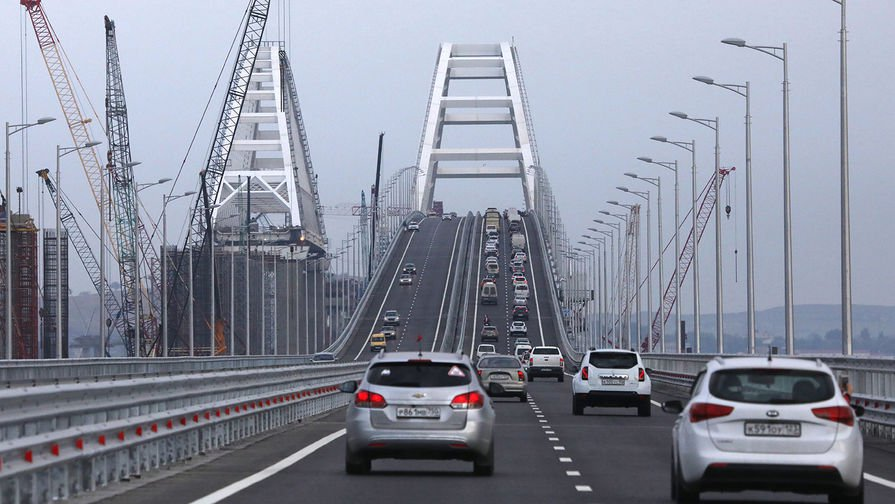 Крымский мост бьет рекорды — 70,000 автомобилей за выходные