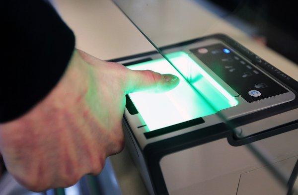 С 1 июля россияне будут сдавать своим банкам биометрические данные
