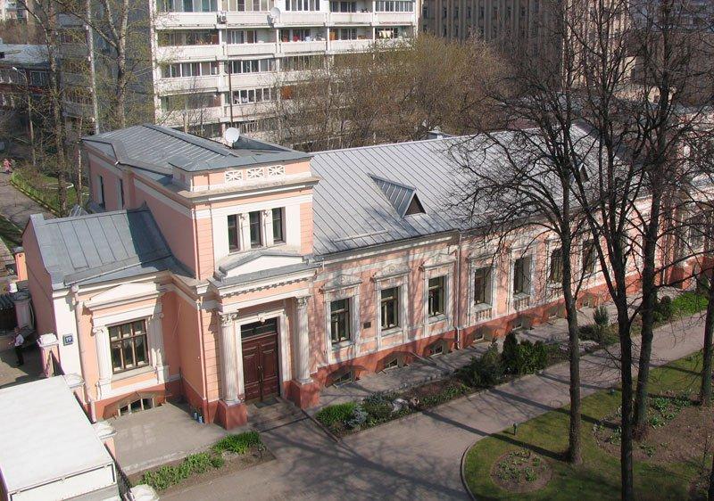 Льготная аренда флигеля старинной усадьбы выставлена на торги в Москве