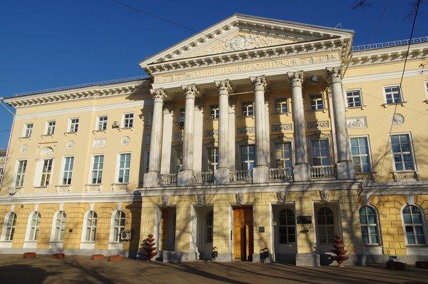 Нужно отреставрировать усадьбу Баташева на Яузской улице за 29 млн рублей