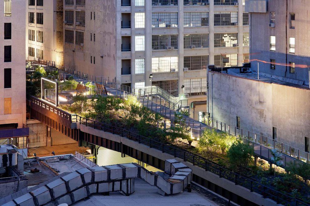 Молодые архитекторы установят висячие сады на месте монорельса в Москве