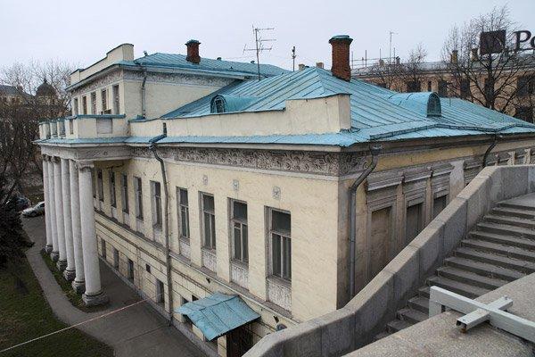 Усадьбу на Кремлевской набережной арендовали по ставке «рубль за квадрат»