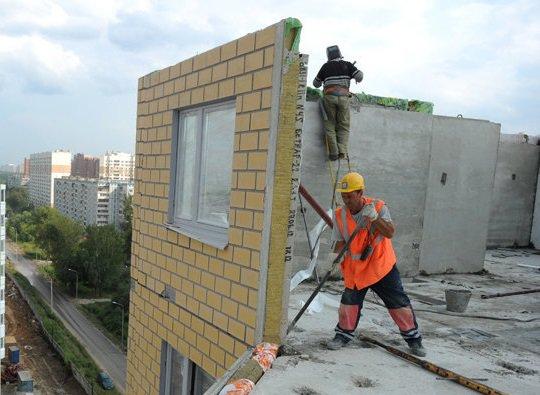 В Минстрое рассказали, почему рискованно покупать жилье на этапе строительства