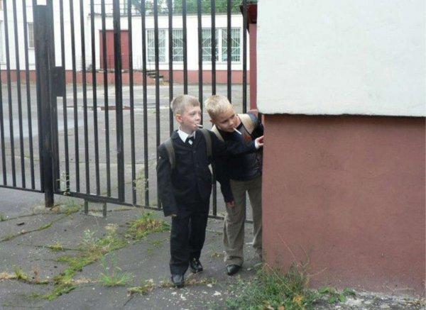 Курящие дети на улицах Пятигорска возмутили горожан