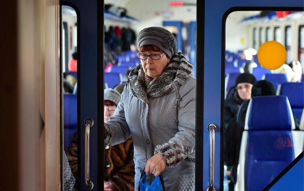Московские пенсионеры теперь бесплатно могут ездить в электричках