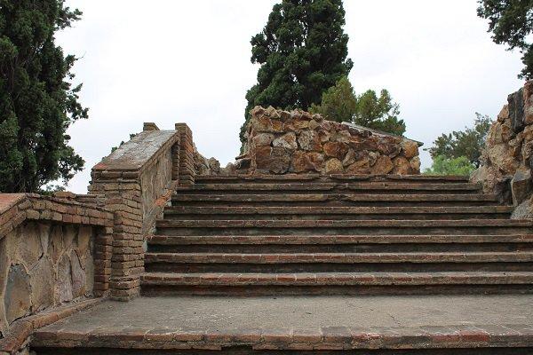Руины храма XIX века найдены при благоустройстве парка в Тверском районе