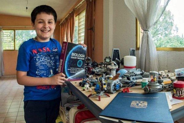 В Мексике 12-летний мальчик стал студентом крупнейшего университета