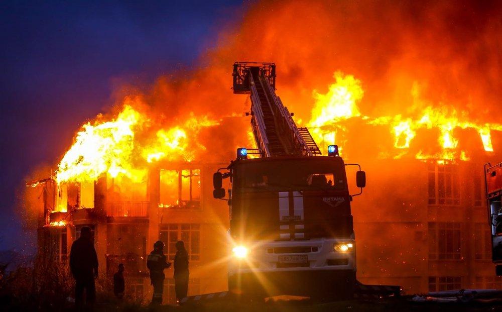 Следователи обнаружили еще два тела на месте сгоревшего самостроя в Сочи