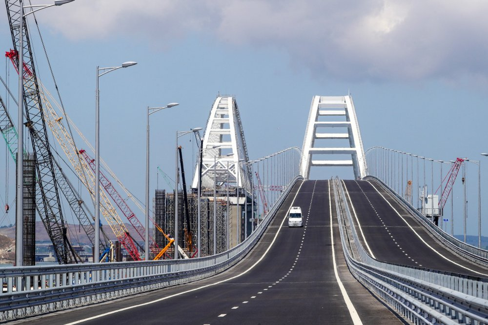 Крымский мост снова бьет рекорды по трафику