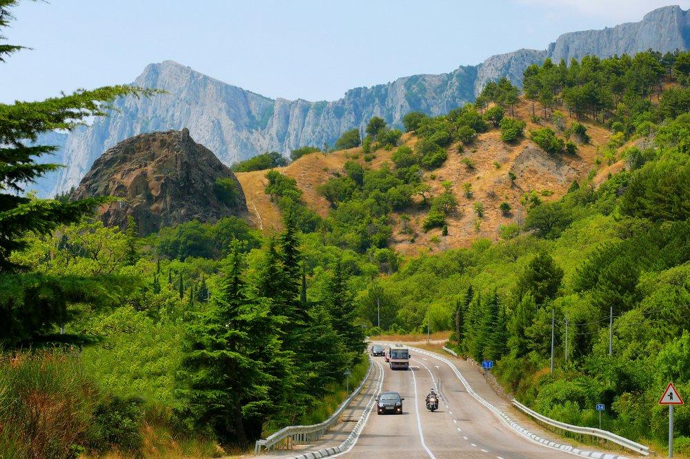 За два года на содержание крымских дорог уйдет более 4 млрд рублей