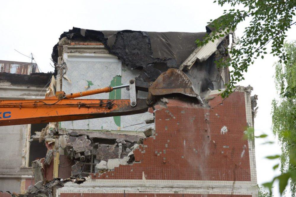 Снесен первый дом по программе реновации