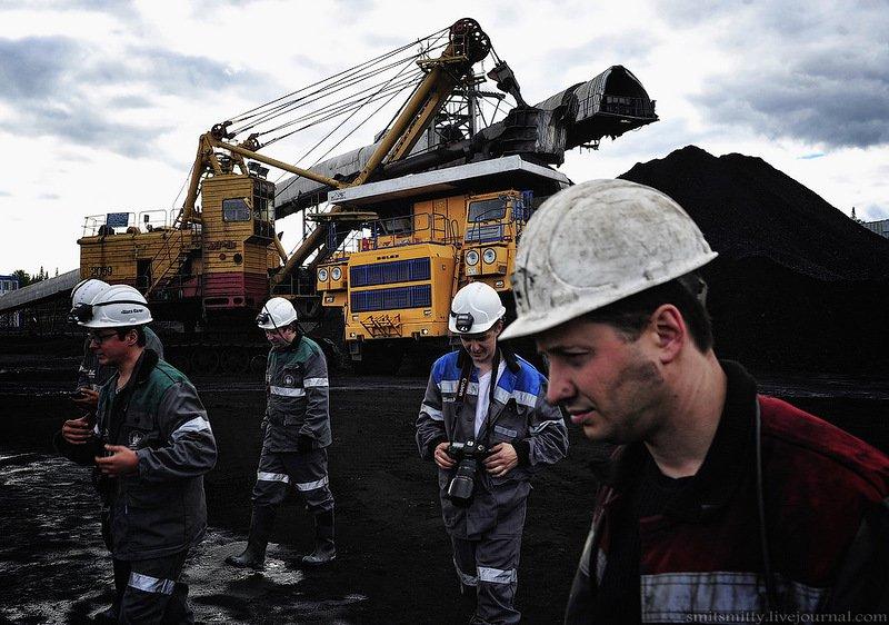Путин пообещал расселить родственников в Кемерово