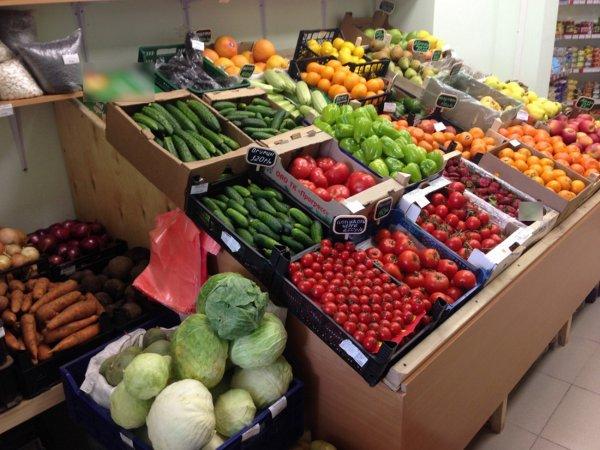В Москве фруктовый и овощной отделы «Пятёрочки» разозлили голого покупателя