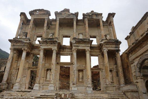 Археологи нашли древнейшую библиотеку в Кельне