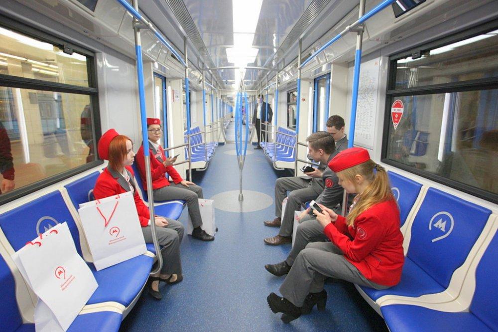 70-й инновационный поезд с высокой вместимостью запущен в метро Москвы