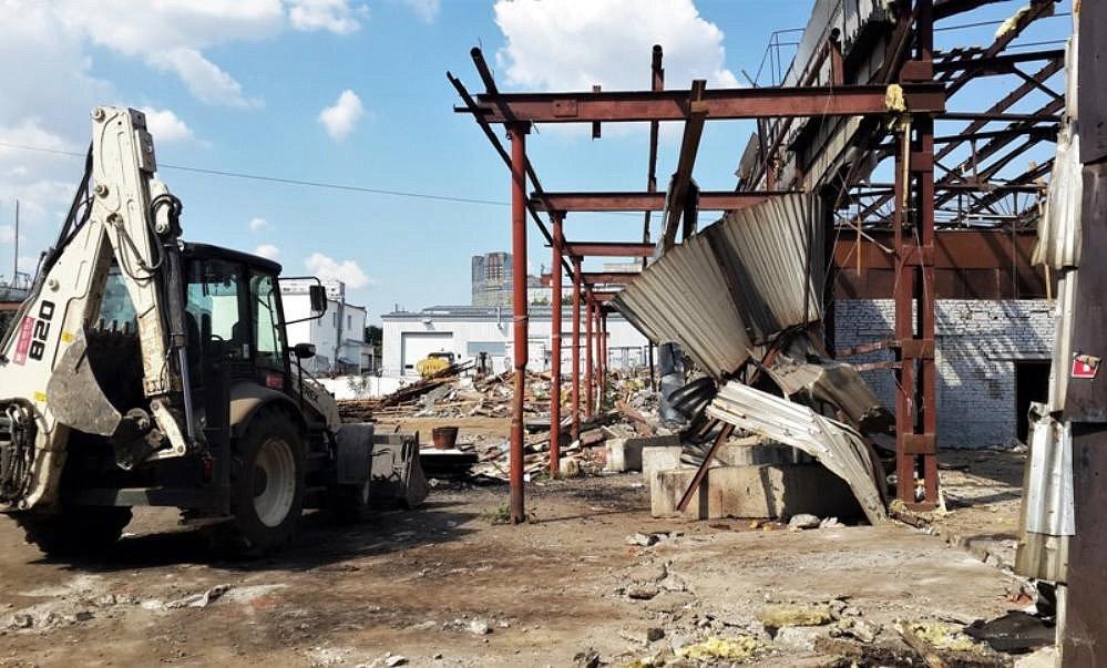 Два десятка незаконных складов обнаружено на Лужнецкой набережной