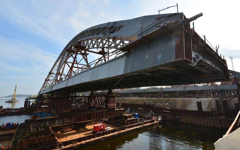 Что происходит на стройке моста через реку Енисей в Кызыле