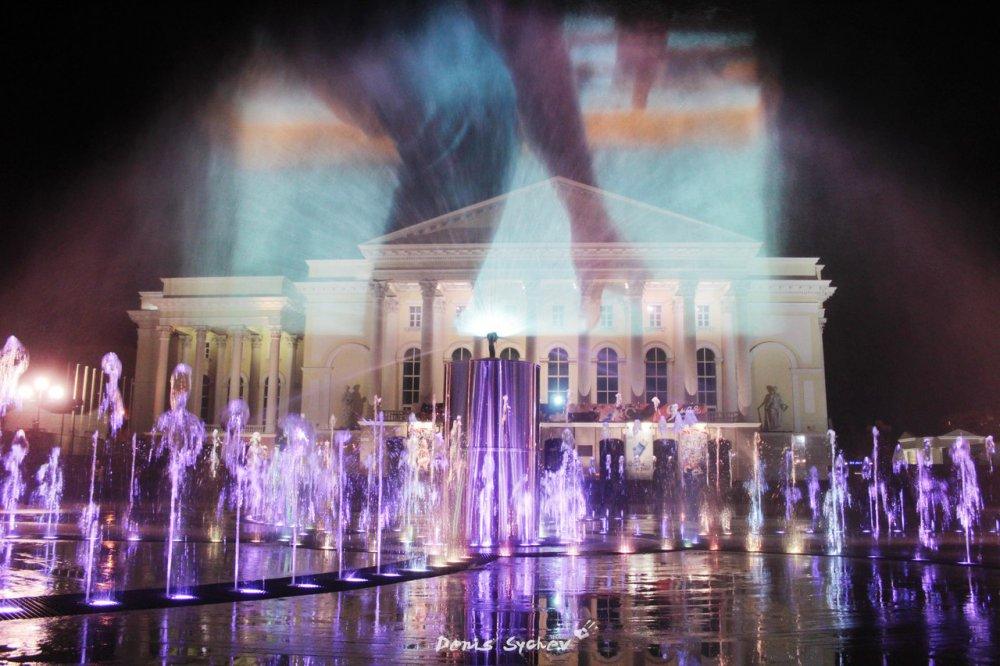 200-метровый «сухой» фонтан установили в парке Святослава Федорова