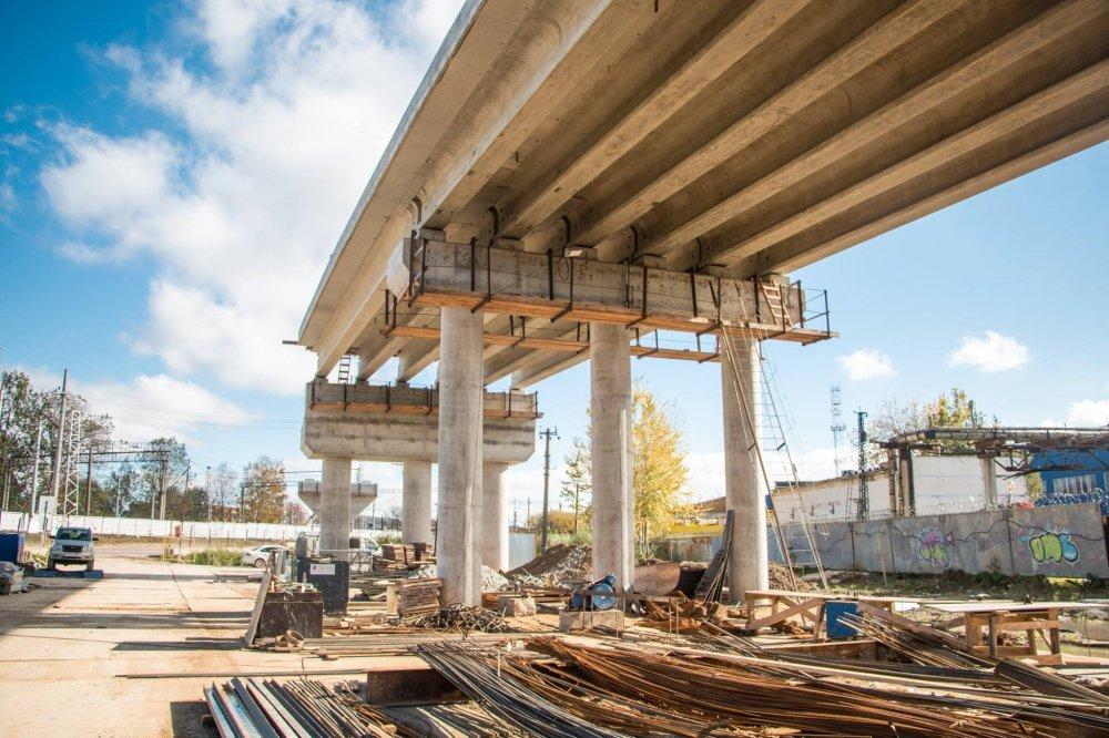 Что происходит на стройке разворотной эстакады на Волоколамском шоссе