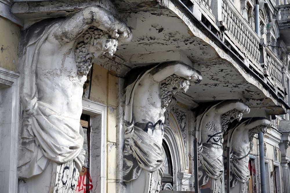 Как отреставрируют старинный элитный «Дом с атлантами» на Солянке