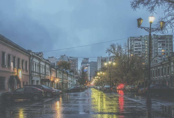 Атмосферное давление в Москве упало до рекордно низкой отметки