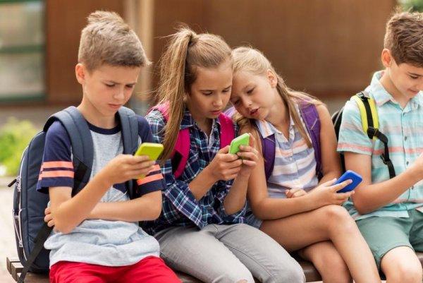 Как защитить зрение детей от смартфона: советы предусмотрительным родителям
